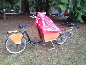 photo credit: Me! Capturing the cargo bike of the Hartsoch family at a Cascade Cross race.